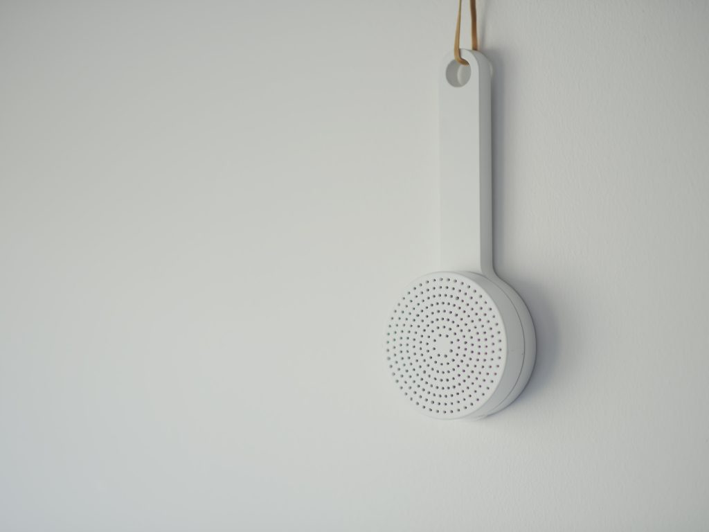 MUJI U2013 SHOWER RADIO